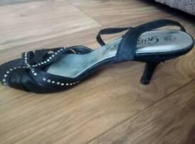 Size 3 kitty heels