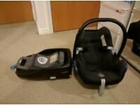 Maxi Cosi Cabriofix car seat and Familyfix base.