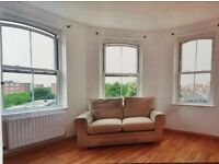 2 Bedroom Flat in Vauxhall... with Spacious and bright living space.