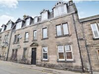 Two Bedroom ground floor flat for rent on Campbell Street, recently redecorated.