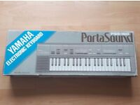 Yamaha PSS-160 Portasound Electronic Keyboard 1980's Portable 44 Keys Keyboard