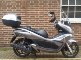 Honda PCX 125, Excellent condition with large screen