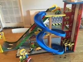 KidKraft Wooden Garage, Ramp and Racing Set and Vehicles . RRP £70. Excellent condition