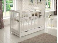 Evolutive cot with drawer and changing table