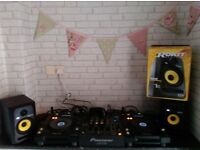 Pioneer CDJ -850k X2 Pioneer DJM 700, Rokit 5 X2 plus all leads.