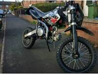 125cc road legal pitbike nearly new