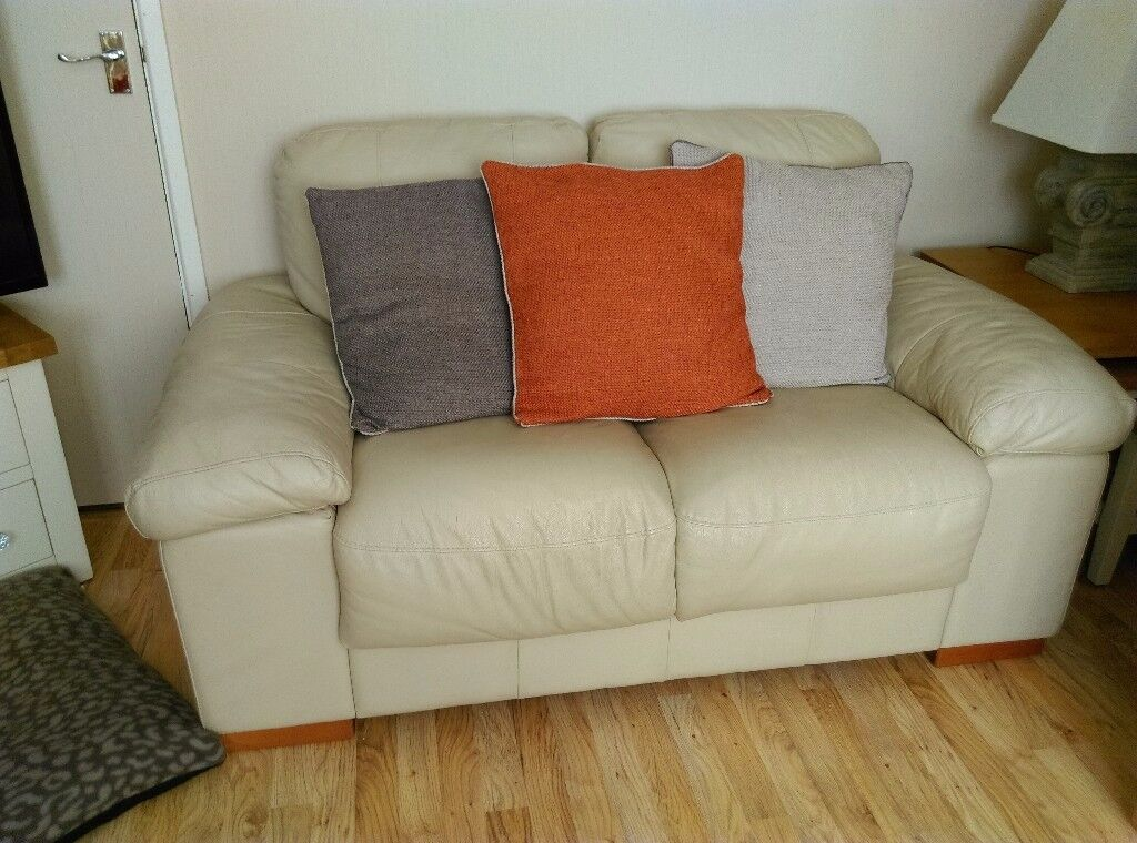 3+2 seater cream leather good condition