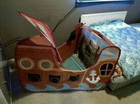 Kids boat tent