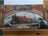 Hornby Electric Train set Hogwarts Express Harry Potter
