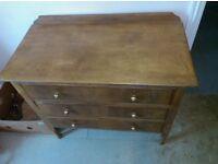 antique chest of draws £20