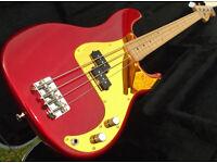 Fender American Special Precision bass guitar, USA made, 2 pickguards, gig bag.