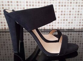 Brand New & Boxed - 2 Strap Black Mule Heels - Size 8 (Would suit a 7)