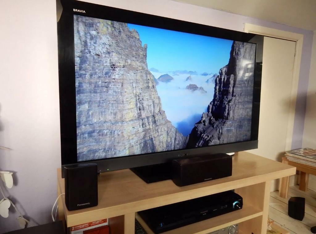 "Sony Bravia 40"" full 1080p HD tv with built in freeview"