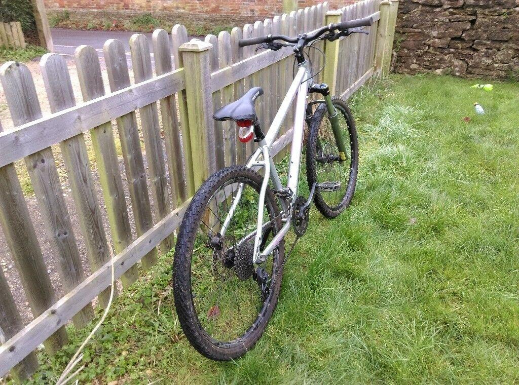 carrera vulcan hardtail mountain bike