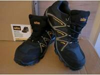 Safety Trainers - Size 9