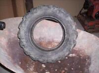 un pneu 23x8.50-12