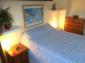 ROOM AVAILABLE IN HEART OF BRENTWOOD