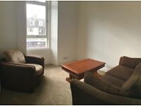 Lovely - newly renovated - 2 Bed Flat - Leith Walk