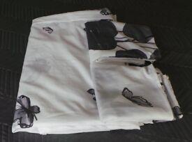 Household items, Wireless keyboard, Duvet, Handbag, ornaments, book Jigsaws