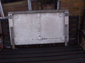 landrover rear tail gate
