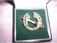 LADIES NEW, IRISH CELTIC 18 KT GOLD PLATED LAPEL BROOCH FROM DUBLIN STILL BOXED