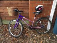 Ladies 15 gear bike with helmet and detachable basket
