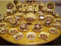 AYNSLEY, LARGE COLLECTION OF FINE BONE CHINA, IN ORCHARD GOLD , PATTREN