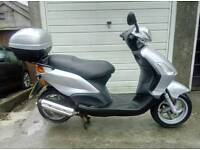 125 fly piaggio scooter
