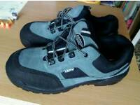 Capps antistatic shoes, size 9 - NEW
