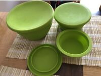 A set of 3x collapsible silicone camping bowls with lids (used, very good condition)