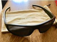 Sunglasses + Fabric Case
