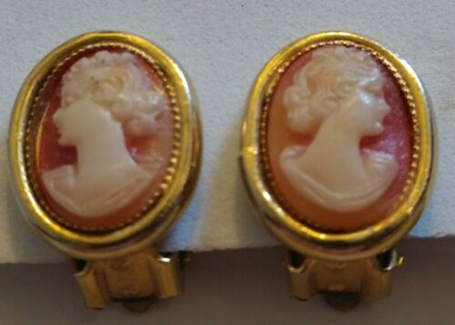 Vintage Shell Cameo Clip On Earrings Gold Tone Jewelry