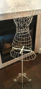 White Metal Wire Frame Dress Form Display. Mannequin Stand
