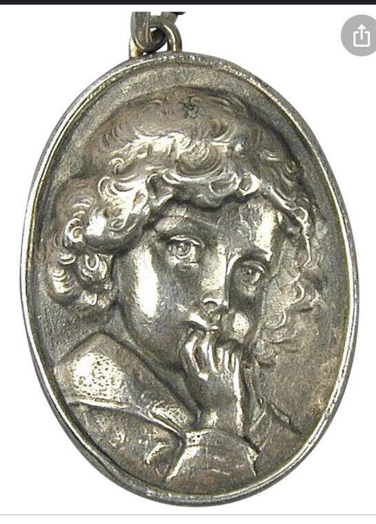 Henryk Winograd Vintage 999 Silver Art-Nouveau-Style Repousse Girl Pendant