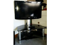 """LG 32"""" 720p HD LCD Television with Stand"""