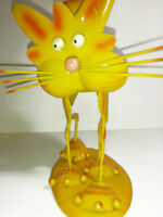 Cat Bright Yellow Tin structure