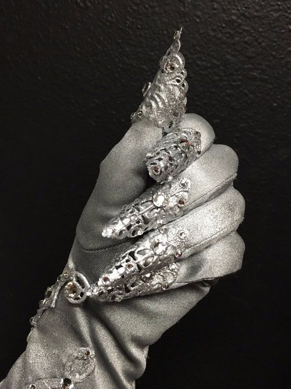 1920's inspired crystal glove