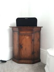 Antique early 18th century wall cabinet - Almogeskåp from Dalarna, Sweden