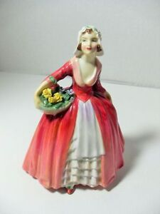 ROYAL DOULTON figurines $100 - $175 Sarnia Sarnia Area image 7