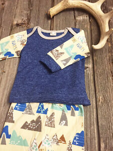 3pc Adventure Awaits Unisex Baby Outfit (NEW)