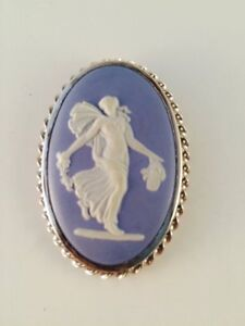 Wedgwood cameo and silver chain