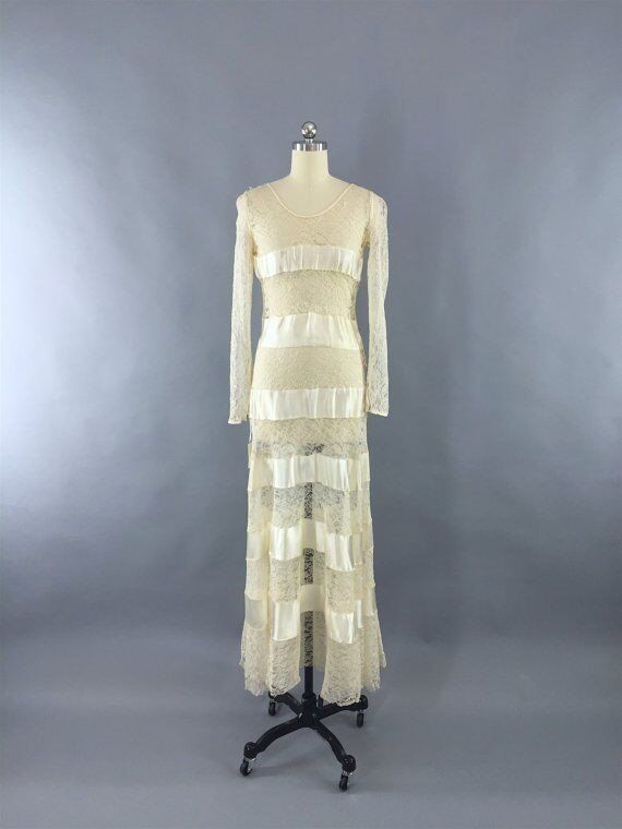 VINTAGE 1930 WEDDING DRESS Ivory Lace Satin Bias Cut 1930\'s Gown ...