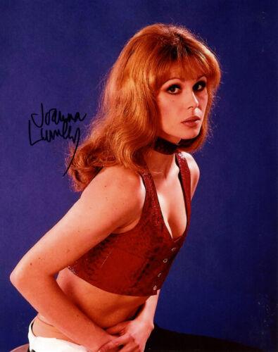 JOANNA LUMLEY SIGNED 8x10 PHOTO PATSY STONE ABSOLUTELY FABULOUS BBC BECKETT BAS