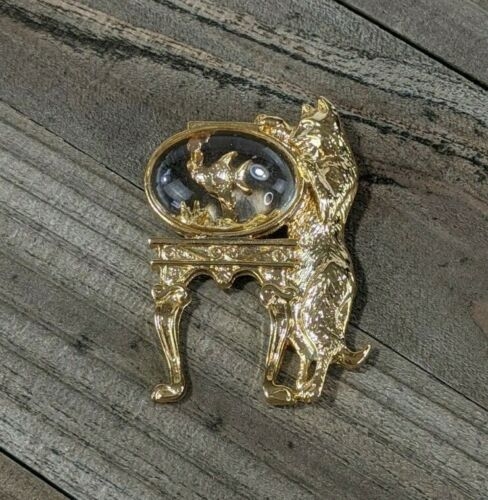 1928 Jewelry Brand Gold Tone Cat & Fish Goldfish Lucite Bowl Brooch Pin