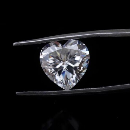3x3~10x10mm White D Color VVS1 Heart Cut Moissanite Stone With Certificate