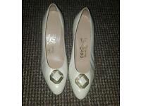 Vintage designer salvatore ferragamo ! Shoes size 5