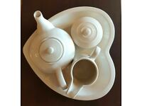 Tea pot set with tray unused