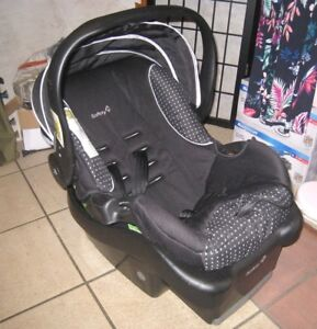 Safety 1st Infant Car Seat(from Newborn) with car base, exp 2021