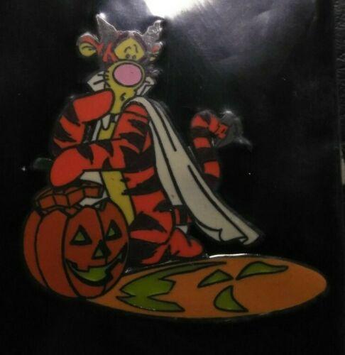 Disney Auction P.I.N.S. Halloween Tigger LE Pin