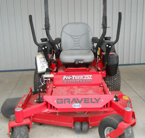 DEMO SALE -- New Gravely Pro Turn 252 Riding Lawn Mower